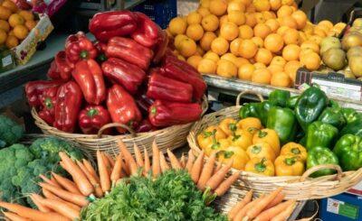 frutta e verdura di stagione di ogni mese